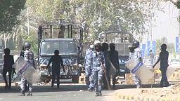 Militares golpistas detienen al primer ministro de Sudán