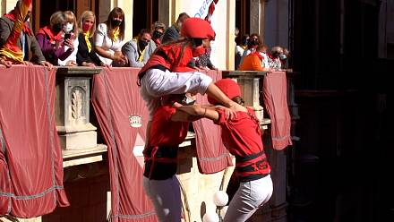 First 'human towers' in Barcelona since the pandemic