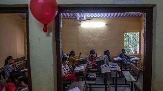 Après 18 mois de fermeture, les enfants de Bangalore de retour sur les bancs de l'école