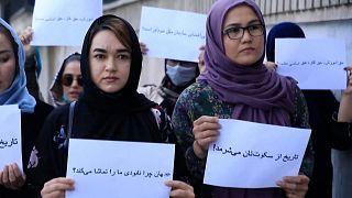 Afgan kadınları, Taliban'ın baskısına dünyanın 'sessiz' kalmasını protesto etti