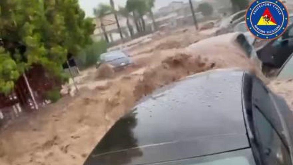 Dua tewas di Sisilia saat hujan lebat menyebabkan banjir bandang