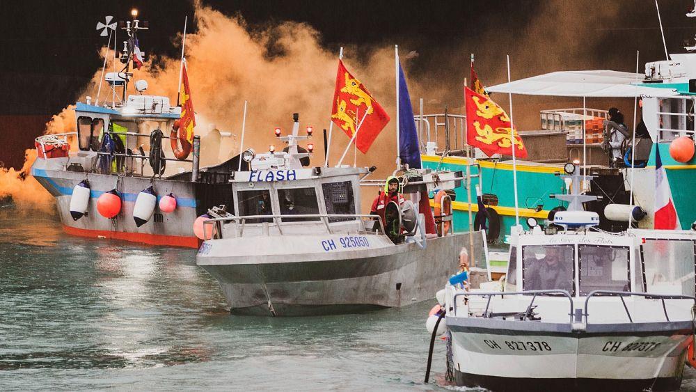 Prancis mengancam lebih banyak pemeriksaan pabean atas sengketa izin penangkapan ikan pasca-Brexit dengan Inggris