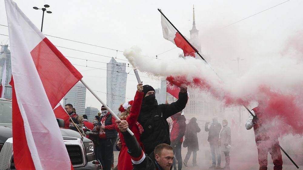 Pawai kemerdekaan Polandia dilarang oleh pengadilan karena kekerasan sayap kanan