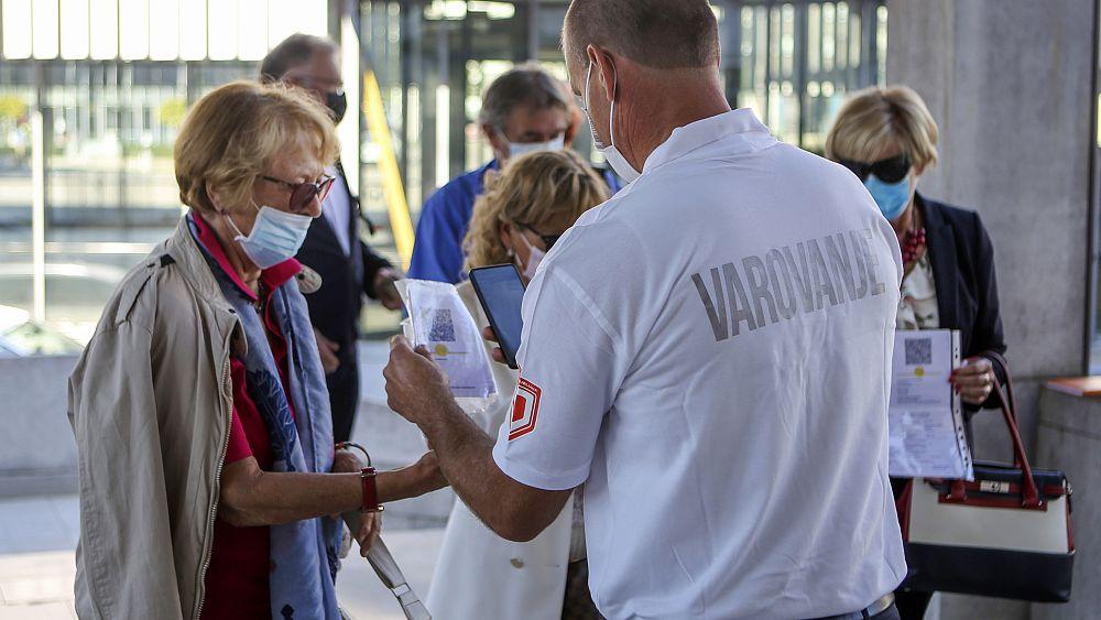 Slovenia melihat kemungkinan penguncian saat infeksi COVID-19 melonjak