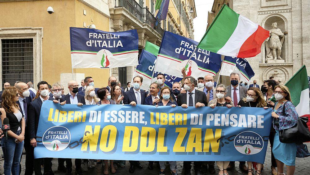 Senat Italia menolak RUU memecah belah yang ditujukan untuk memerangi homofobia