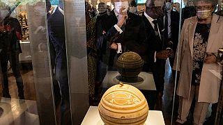 Vers une restitution globale des œuvres africaines volées ?