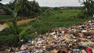 Cameroun : une start-up transforme les déchets plastiques en carburant