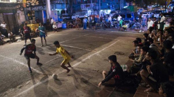 Le foot birman rêve d'un nouveau départ