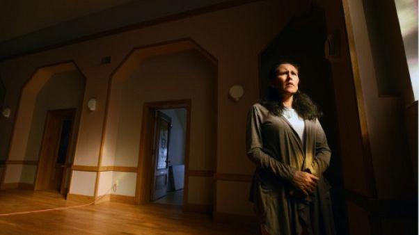 Traquée par l'immigration, une mère se réfugie dans une église avec ses enfants