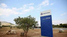 Anglo American reports 25 percent rise in core earnings, to resume dividends