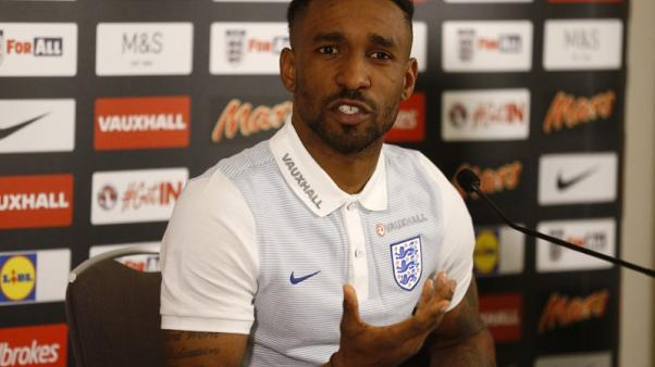 Staying in Premier League is key to Defoe's England hopes