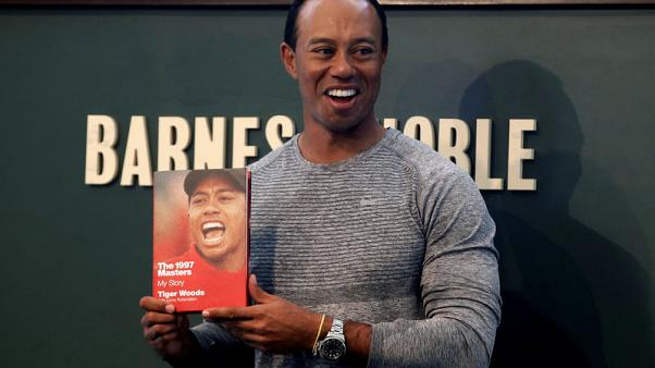 Tiger a hit with fans at New York book signing