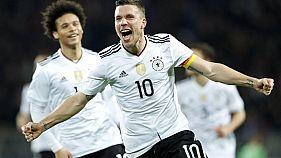 Calcio: Podolski saluta con un gol