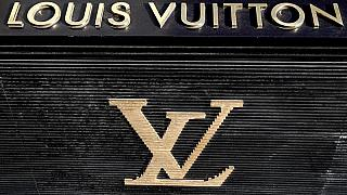 Diamond group De Beers buys out retail partner LVMH