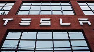 Tesla to take orders for solar roof tiles starting April