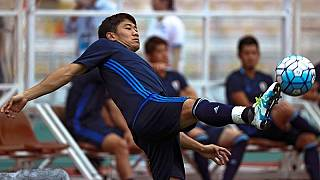 Kagawa urges Japan to show variety, patience against Thais
