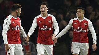 Ozil, Sanchez want to stay at Arsenal, says Wenger