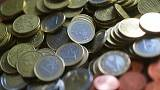Euro scales five-month peak on French election relief
