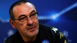 Italian FA president backs Napoli coach Sarri for Italian job