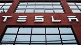 Tesla says it will stop selling solar door-to-door