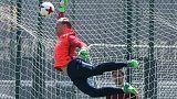 Ter Stegen renews contract with Barcelona