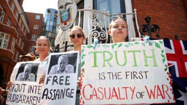 Londres: Assange reporte une annonce prévue pour ses 5 ans à l'ambassade d'Equateur