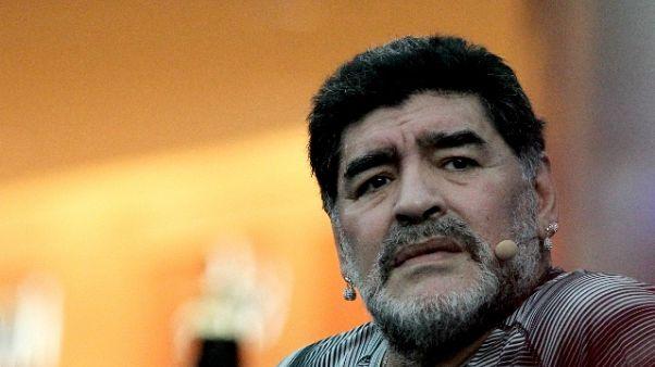 Maradona, Dani Alves? Un povero idiota