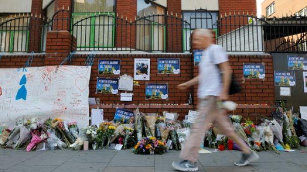 Londres: inquiétude et fatalisme devant la mosquée cible d'un attentat