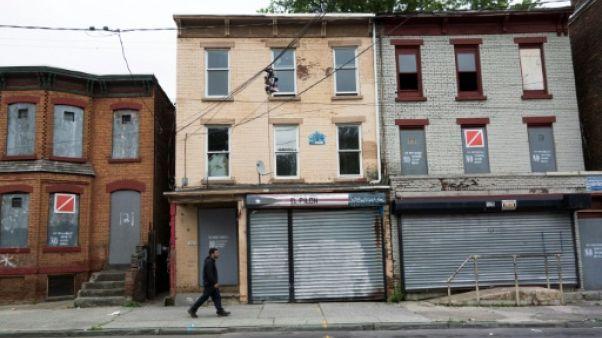 """Etats-Unis: 10 ans après les """"subprime"""", l'espoir derrière les maisons abandonnées"""