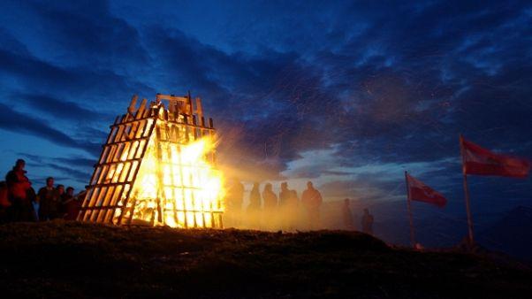 Pericolo incendi per falò votivi A.Adige