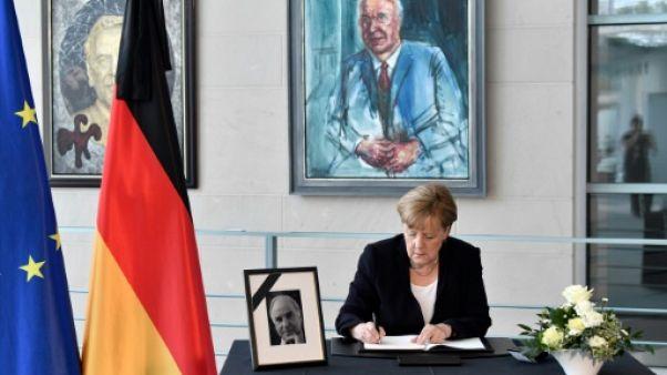 Macron, Merkel et Bill Clinton à la cérémonie d'hommage à Helmut Kohl