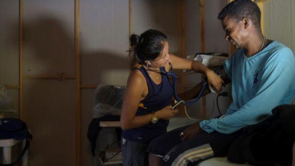 Colombie: les infirmiers des Farc veulent enfiler la blouse blanche