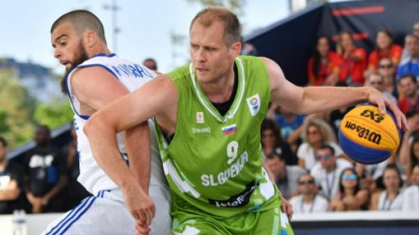 Basket 3x3: la Serbie conserve son titre de championne du monde chez les messieurs, la Russie sacrée chez les dames