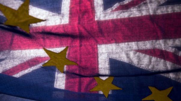 Sommet de Bruxelles: l'UE retrouve la confiance face à Theresa May fragilisée