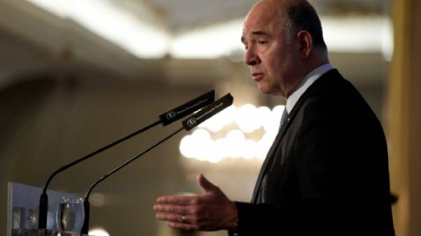 """Moscovici: les footballeurs """"n'ont pas besoin de gagner plus"""""""
