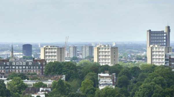 Incendie à Londres: terreur au dix-huitième étage