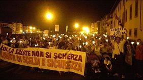Vaccini: Pisa,in migliaia contro obbligo