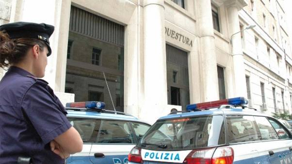 Mafia:estorsione a imprenditore, arresti