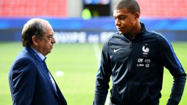 """Le Graët aimerait que Mbappé """"reste en France, pour le plaisir des yeux"""""""