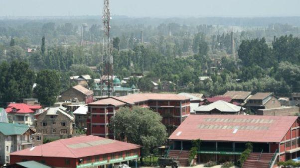 Cachemire: combats entre soldats indiens et militants retranchés dans une école