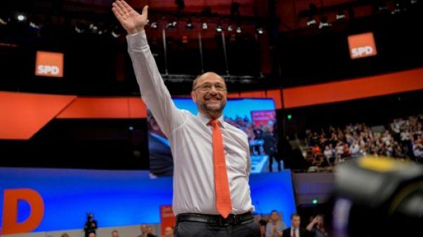 Allemagne: le SPD attaque frontalement Merkel en vue des élections