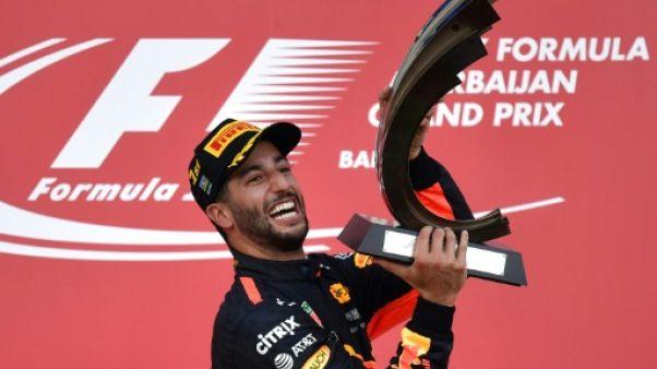 GP d'Azerbaïdjan: grosse montée de tension entre Vettel et Hamilton dans une course folle