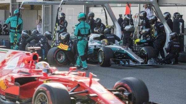 """GP d'Azerbaïdjan: Hamilton propose """"un face à face"""" à Vettel en dehors de la voiture"""