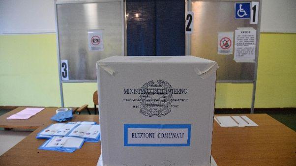 A Oristano vota 44%, vince l' astensione