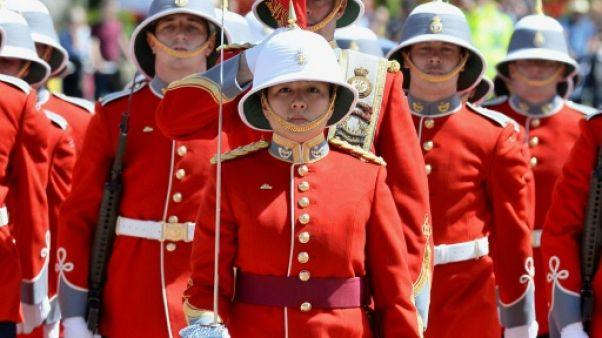 Royaume-Uni: une Canadienne de 24 ans dirige la garde de la reine