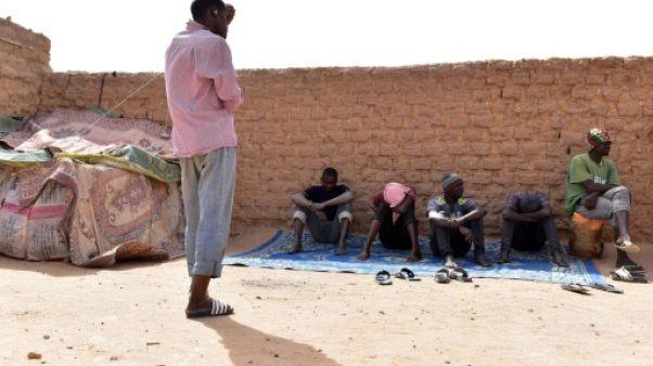 Niger: une vingtaine de migrants secourus par l'armée en plein désert