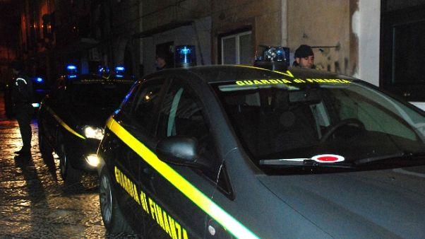 Dipendente Comune Piacenza a domiciliari