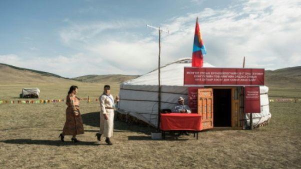 Présidentielle en Mongolie: un deuxième tour inédit