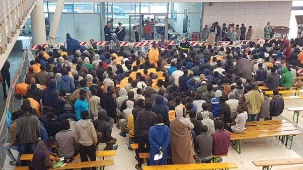 Migranti: domani a Cagliari 800 profughi