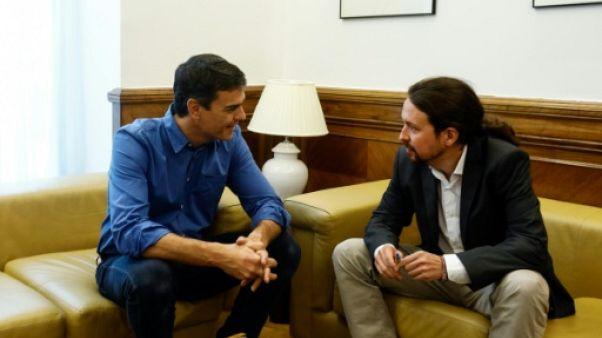 Espagne: rapprochement entre socialistes et Podemos pour un front anti-Rajoy